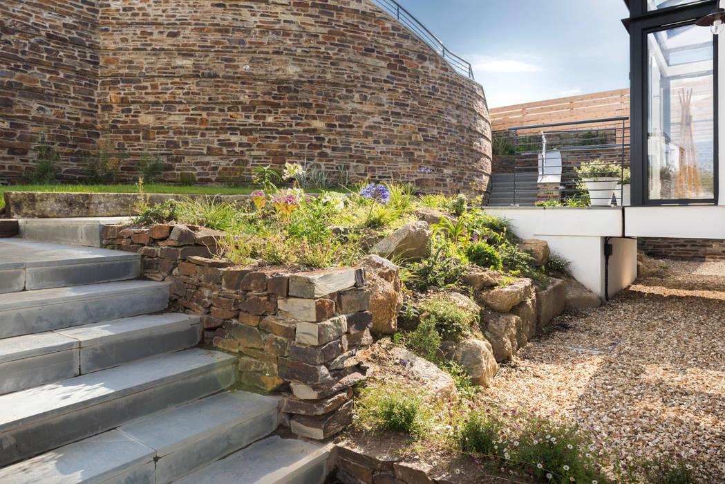 Gwel-An-Treth, Sennen Cove, Cornwall Moderner Garten von Laurence Associates Modern