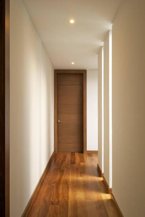 Modern Windows and Doors by Tacher Arquitectos Modern