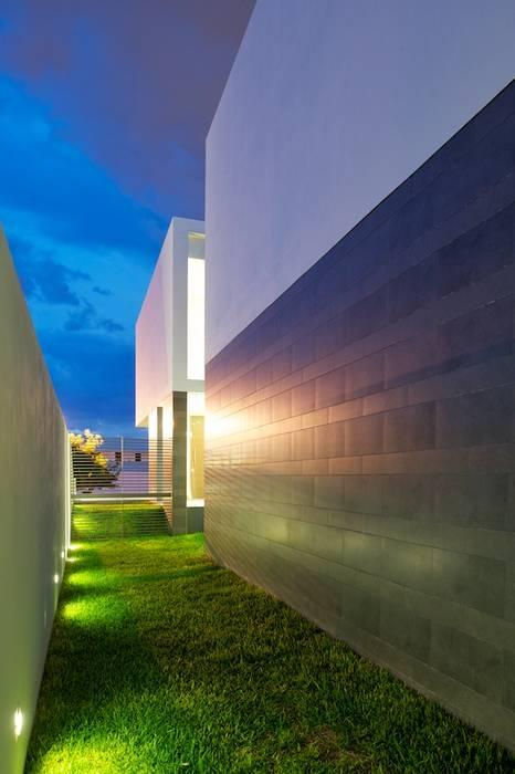 Modern houses by Tacher Arquitectos Modern