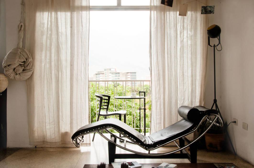 Sala de descanso: Salas / recibidores de estilo  por PUNCH TAD