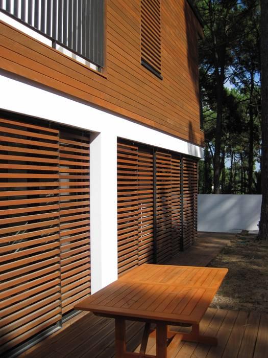 Habitação unifamiliar na Aroeira por land2build