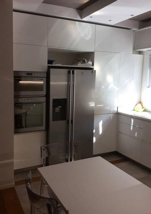 kitchen bilune studio design: Cucina in stile in stile Moderno di bilune studio