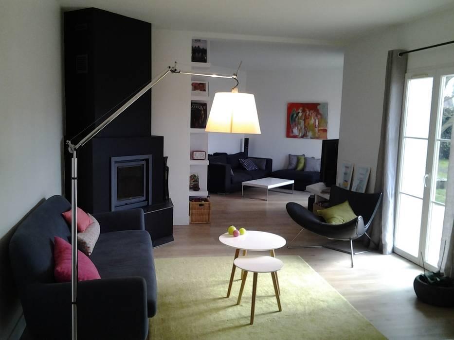 Le nouvel espace salon/salle à manger: Salon de style de style Moderne par Atelier[21]