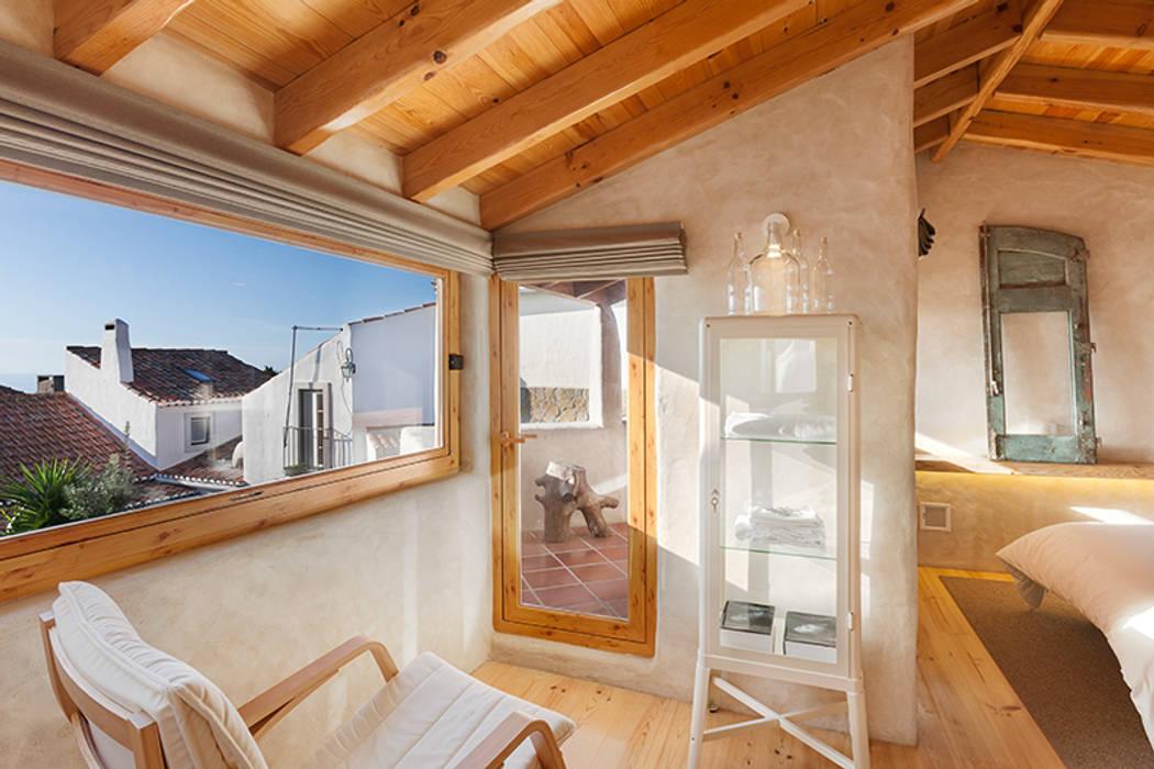 A JOIA d´AZOIA pedro quintela studio Quartos campestres Acabamento em madeira