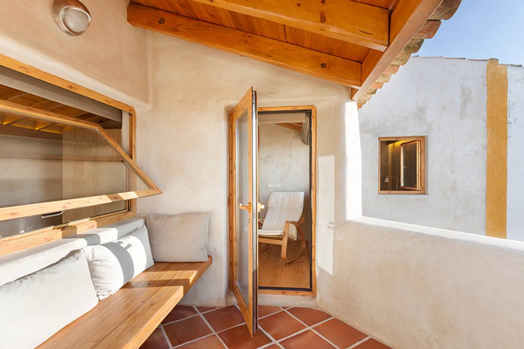 pedro quintela studio Balcon, Veranda & Terrasse ruraux Effet bois