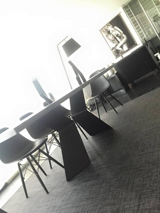 THE ST. REGIS Barra de Arquitectura Mexicana Comedores modernos Negro