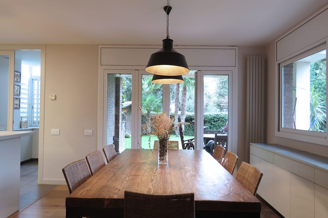 Modern Dining Room by Brick Serveis d'Interiorisme S.L. Modern