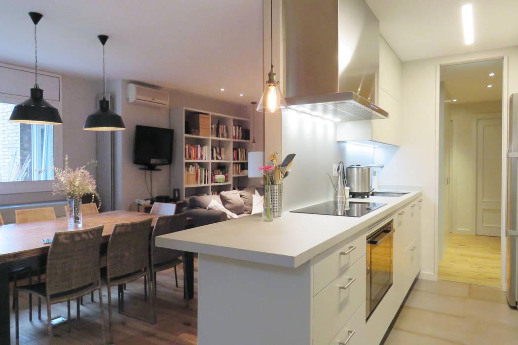 Modern Kitchen by Brick Serveis d'Interiorisme S.L. Modern