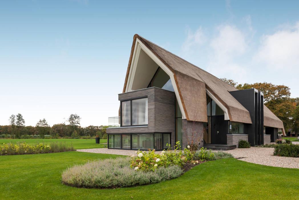 Woonhuis Laren Moderne huizen van Maas Architecten Modern