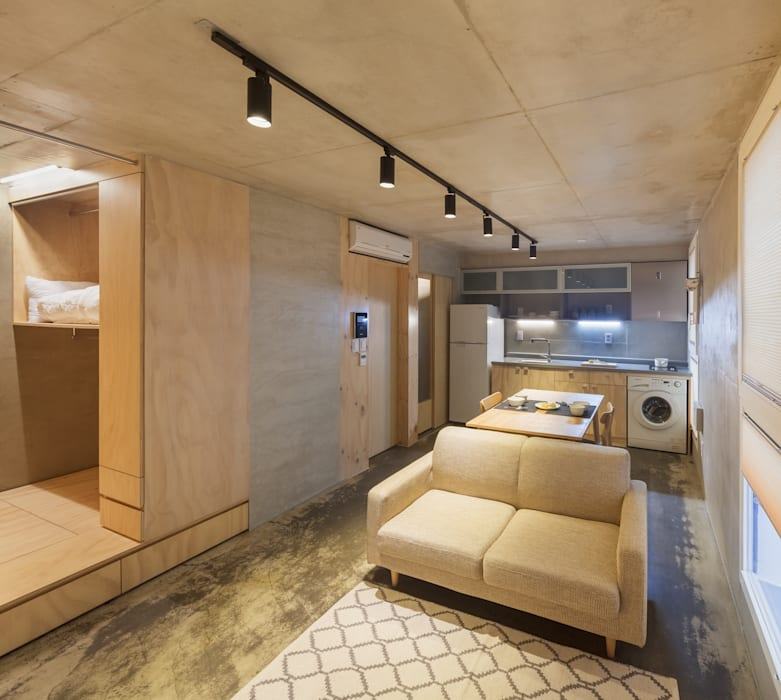 Living room by Strakx associates , Modern