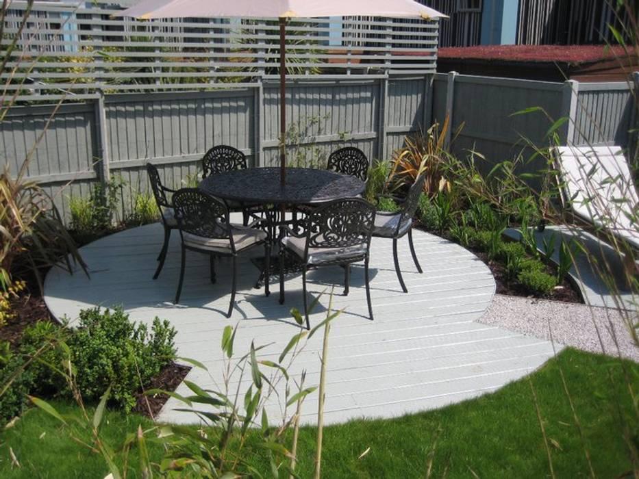 Canopy Lane Minimalist style garden by Aralia Minimalist Iron/Steel