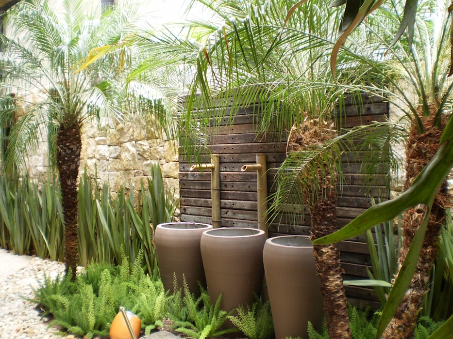 Garden by ANALU ANDRADE - ARQUITETURA E DESIGN, Tropical