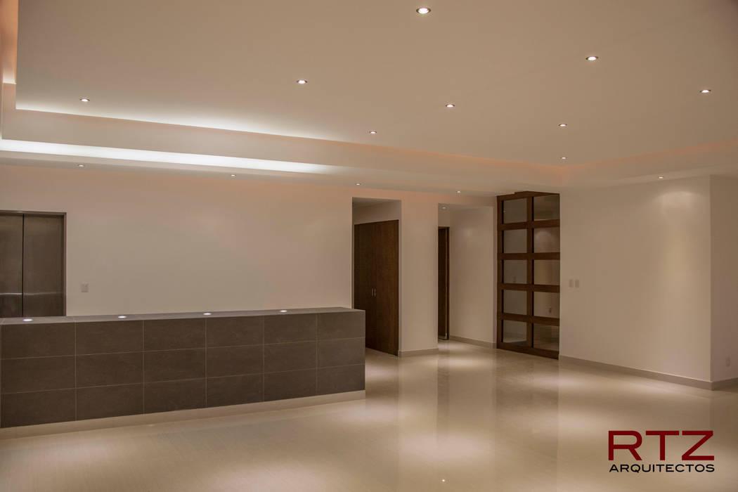 Sala y comedor Salones modernos de RTZ-Arquitectos Moderno