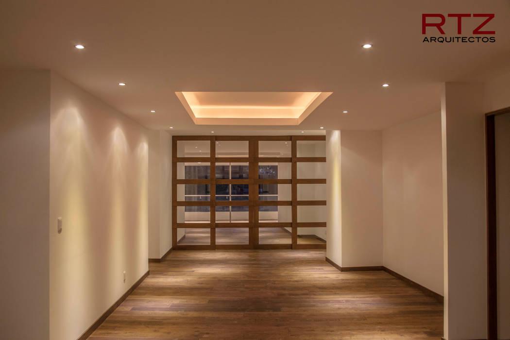 Paredes e pisos modernos por RTZ-Arquitectos Moderno