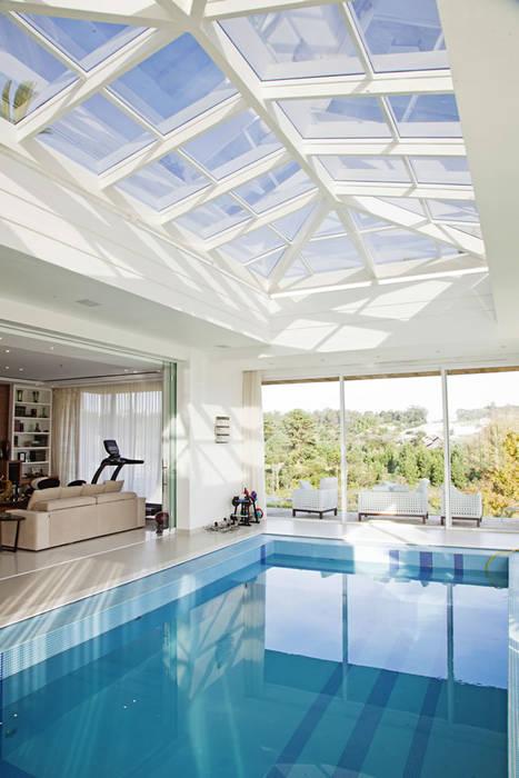 Piscina Interna Piscinas modernas por Ariane Labre Arquitetura Moderno