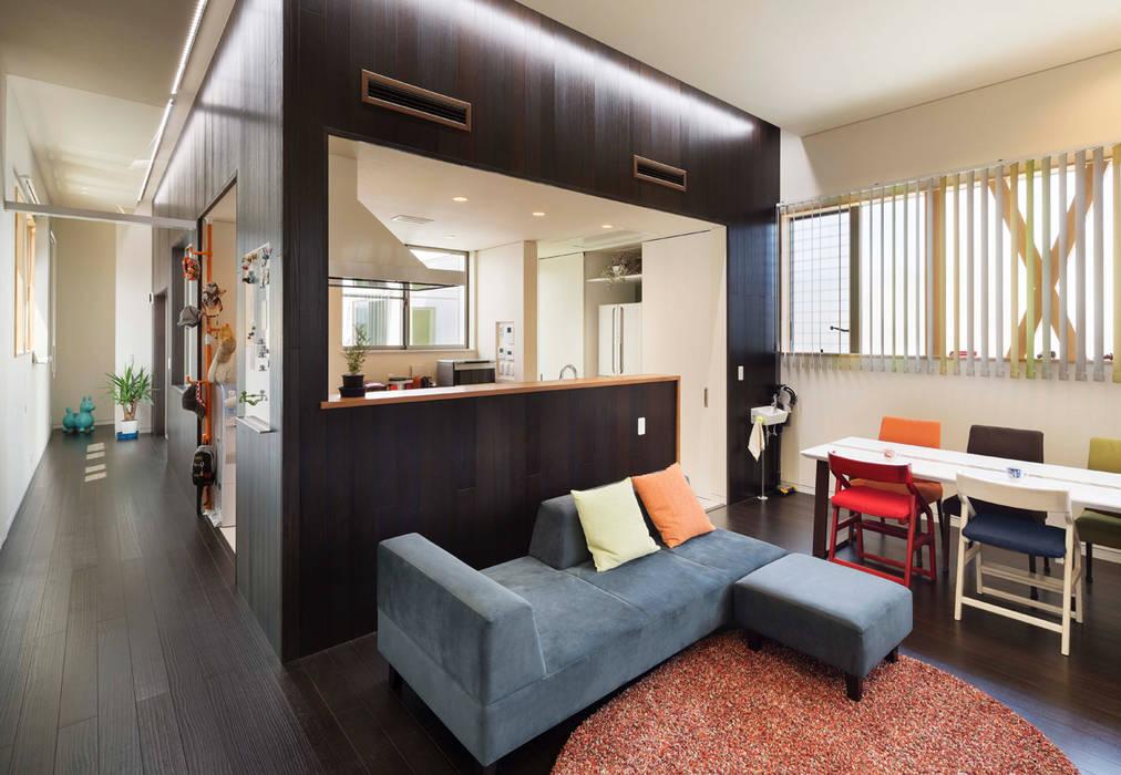 Living room by 株式会社タバタ設計, Asian