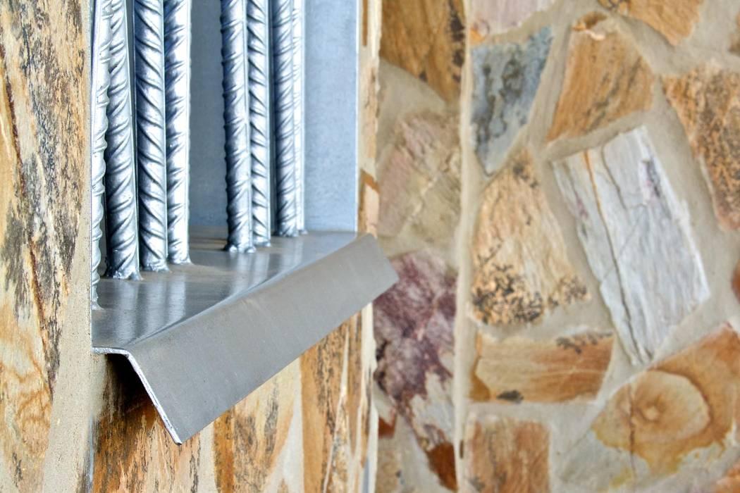 Detalle alféizar ventana Sánchez-Matamoros | Arquitecto Puertas y ventanas de estilo moderno Hierro/Acero Metálico/Plateado