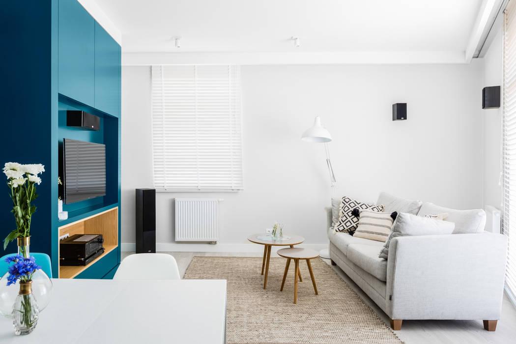 Scandinavian style living room by Ayuko Studio Scandinavian