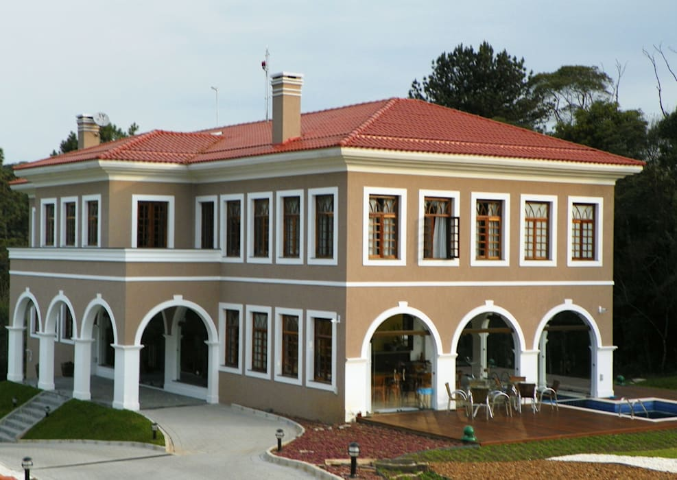 Casas de estilo colonial de BUZZI & SILVA ARQUITETOS ASSOCIADOS Colonial Ladrillos