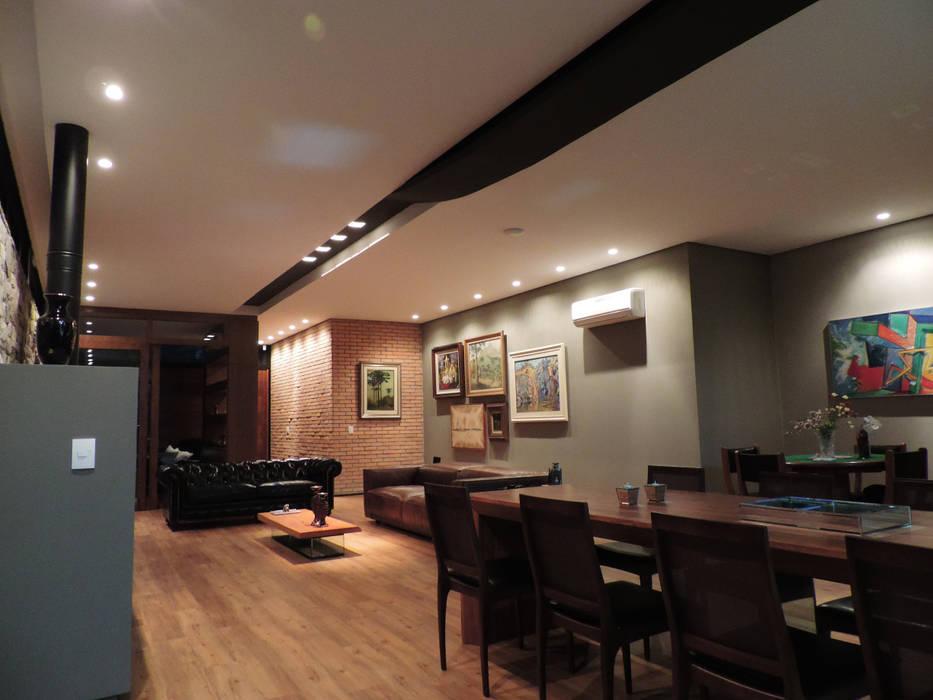 Ruang Keluarga oleh UNION Architectural Concept, Country Kayu Wood effect