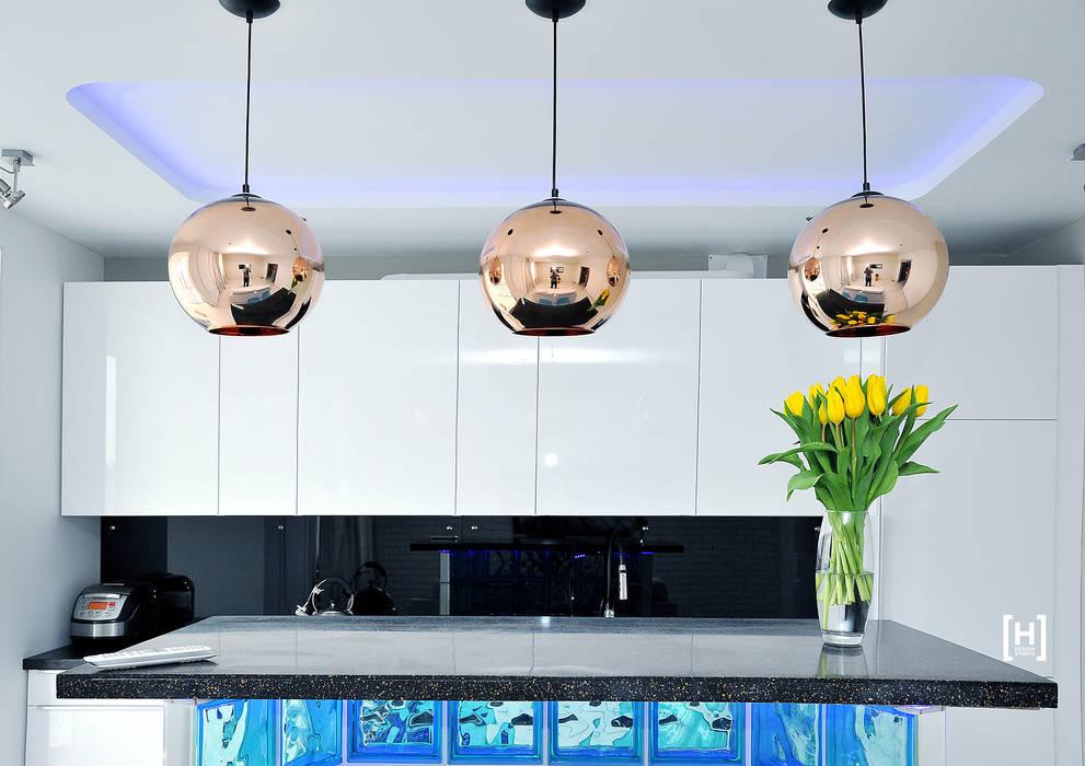 Cocinas de estilo minimalista de Hunter design Minimalista Vidrio
