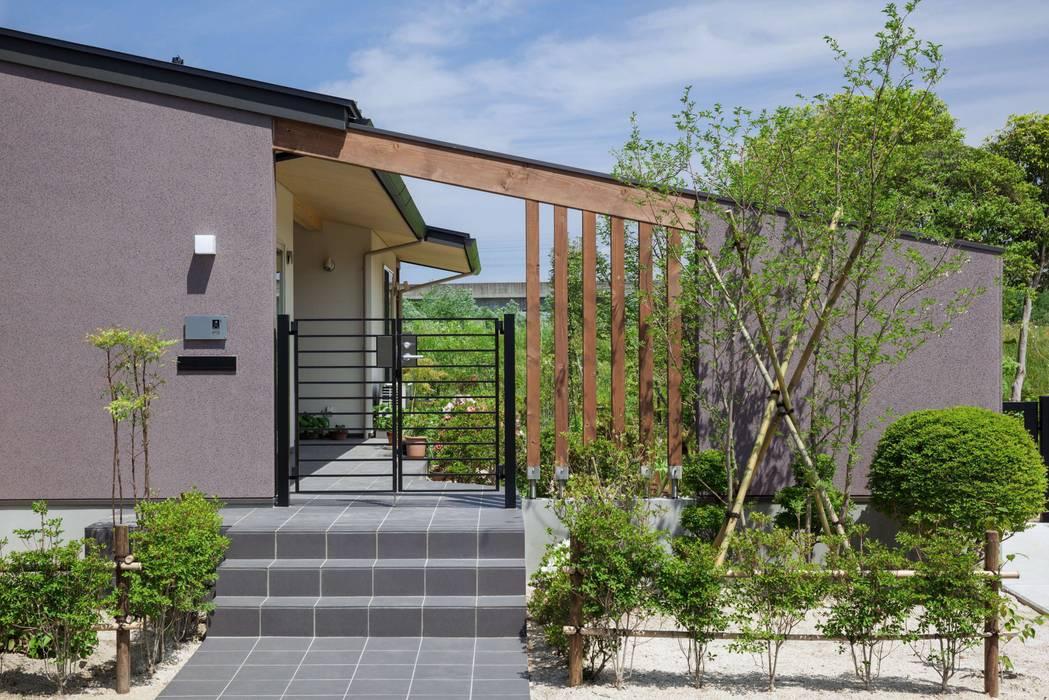 Rumah oleh アトリエグローカル一級建築士事務所, Country