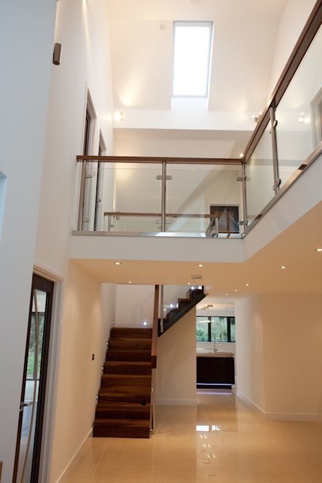 Little Piper, Penpol Classic style corridor, hallway and stairs by Laurence Associates Classic
