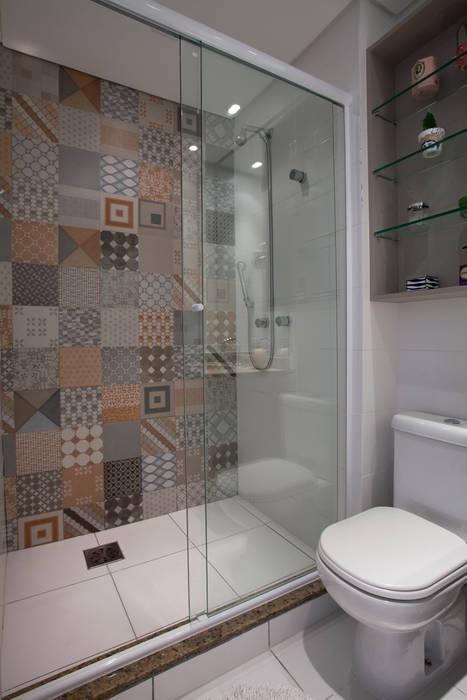 RESIDÊNCIA JO UNION Architectural Concept Banheiros modernos Cerâmica Multi colorido