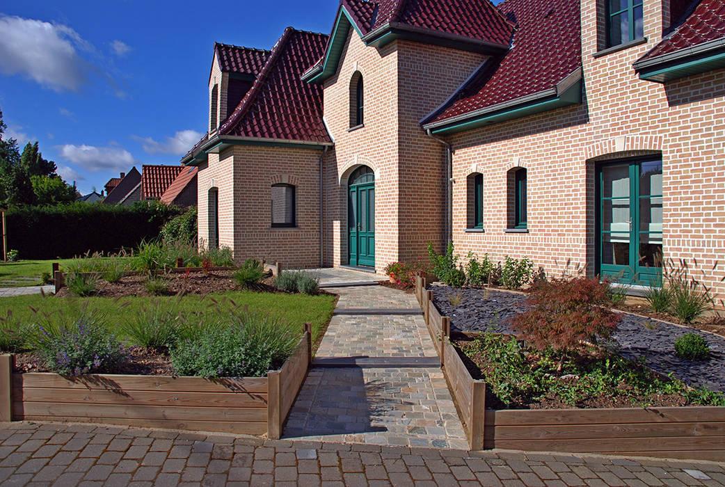 Jardin de 750m² à Arleux en Gohelle (62): Jardin de style  par RVB PAYSAGE, Moderne