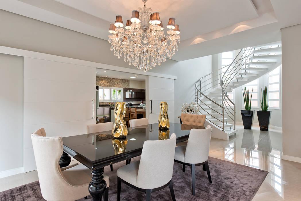 RVD Salas de jantar clássicas por Angelica Pecego Arquitetura Clássico
