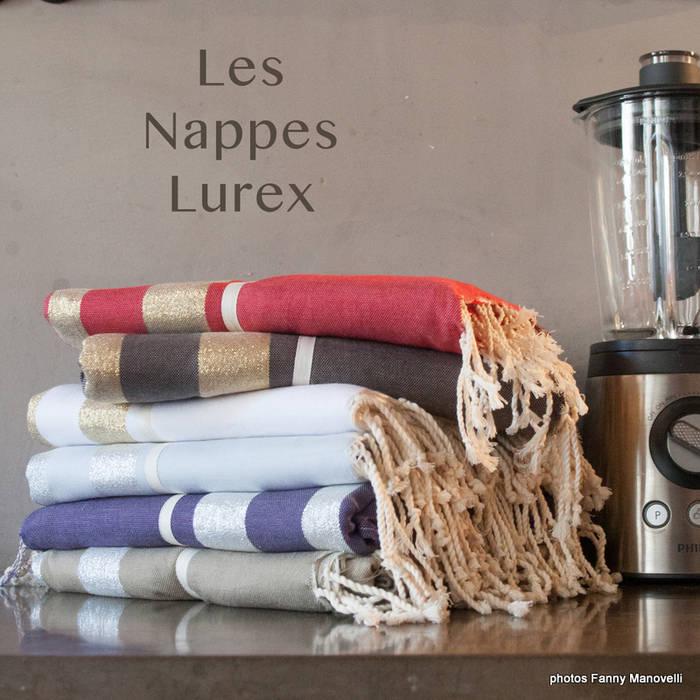 nappes coton et lurex: Salle à manger de style de style Méditerranéen par zandaraa