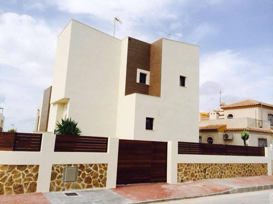 Unifamiliar Nils Casas de estilo clásico de eans Clásico