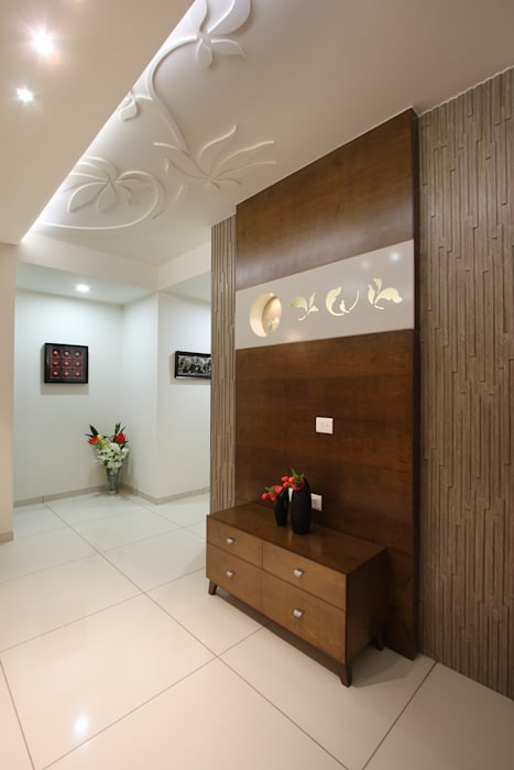 SAKET: classic  by SPACEPLUS,Classic Wood Wood effect