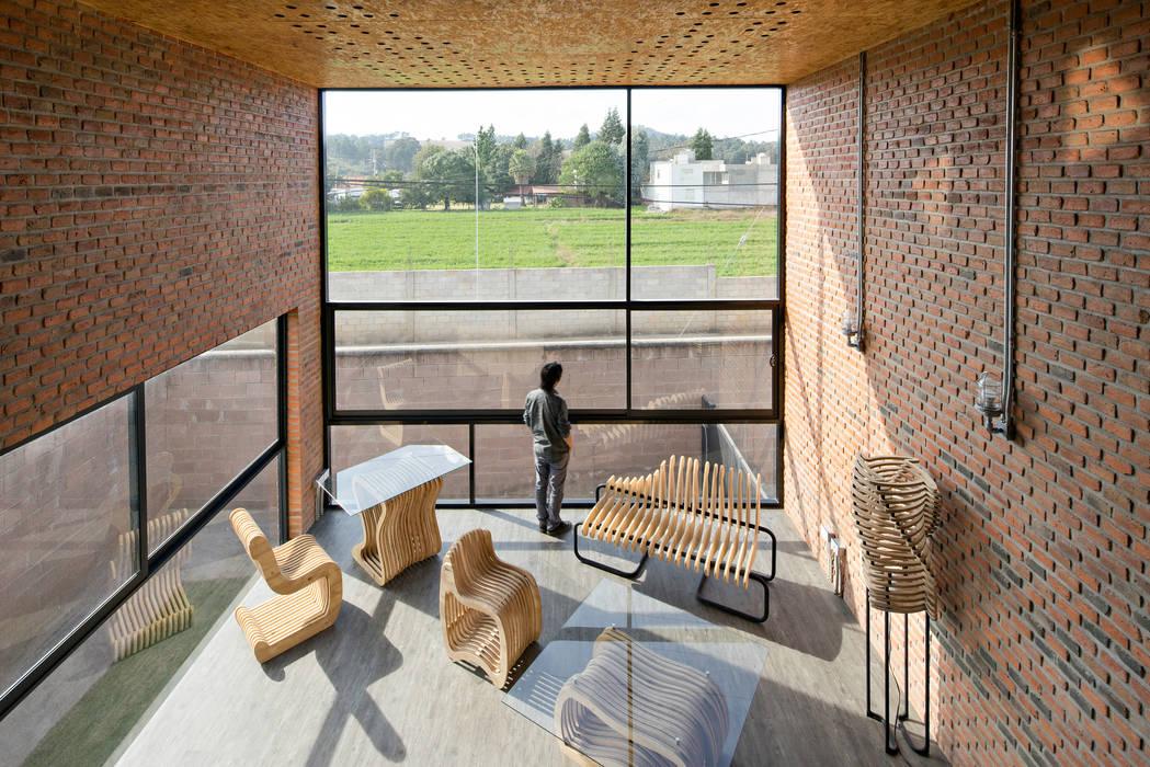 Salon industriel par Proyecto Cafeina Industriel Verre