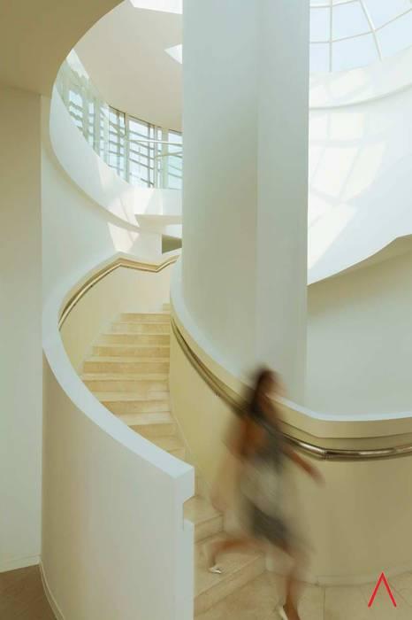 Daxing Exhibition Center LATITUDE Espacios comerciales de estilo moderno Aluminio/Cinc Gris