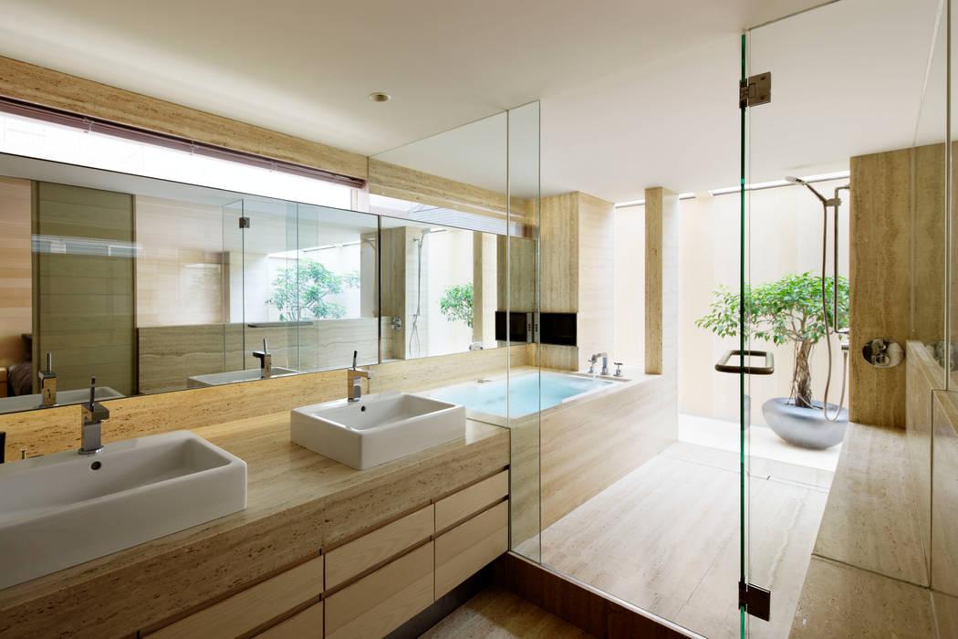 ห้องน้ำ โดย 中塚健仁建築設計事務所, โมเดิร์น