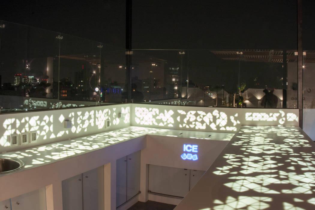 Barra de krion Balcones y terrazas minimalistas de STUDIO COCOONS Minimalista