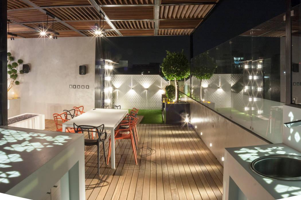 Roof Garden Heriberto Frias Balcones y terrazas minimalistas de STUDIO COCOONS Minimalista