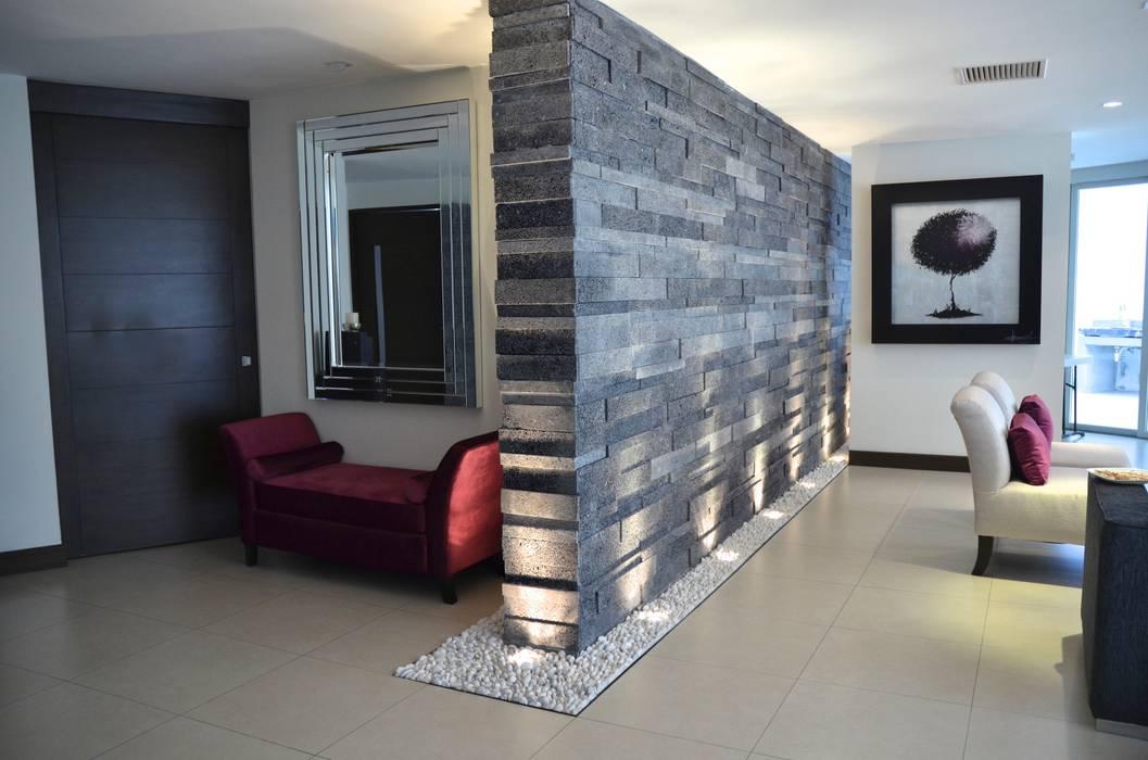 现代客厅設計點子、靈感 & 圖片 根據 TREVINO.CHABRAND | Architectural Studio 現代風
