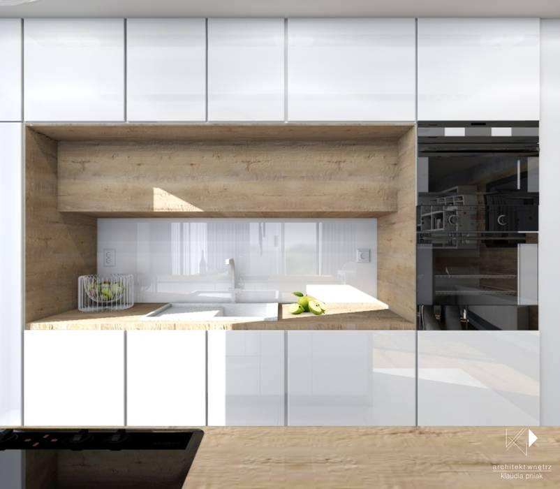 Biel I Drewno W Kuchni Styl W Kategorii Kuchnia Zaprojektowany