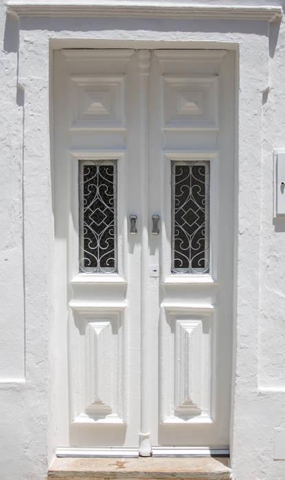 Casa do Largo Janelas e portas mediterrânicas por homify Mediterrânico