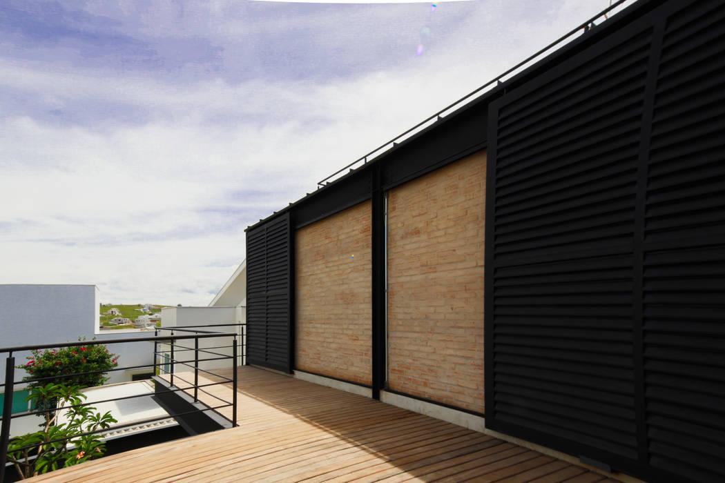 Terrace by Sonne Müller Arquitetos
