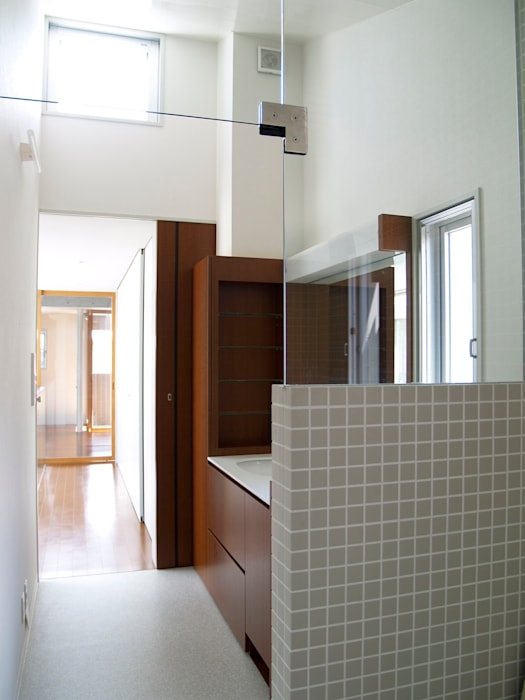 modern  door       古津真一 翔設計工房一級建築士事務所, Modern Tegels