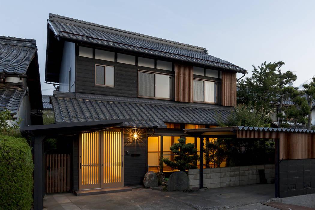บ้านและที่อยู่อาศัย โดย 株式会社 鳴尾工務店, เอเชียน