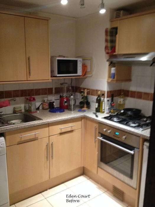 Kitchen before de Katie Malik Interiors Moderno
