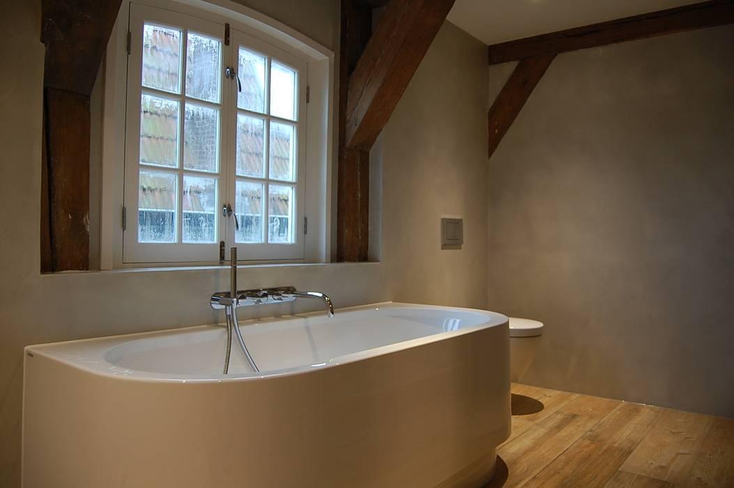 Badezimmer im landhausstil von beton ciré unique landhaus ...