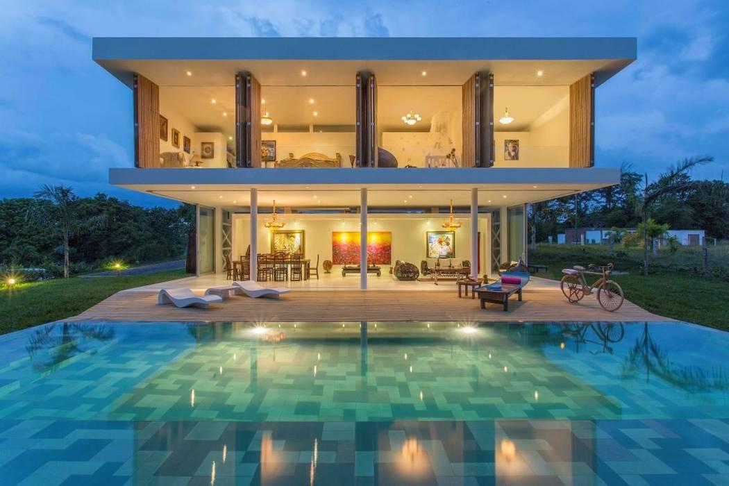 บ้านและที่อยู่อาศัย โดย Giovanni Moreno Arquitectos, โมเดิร์น