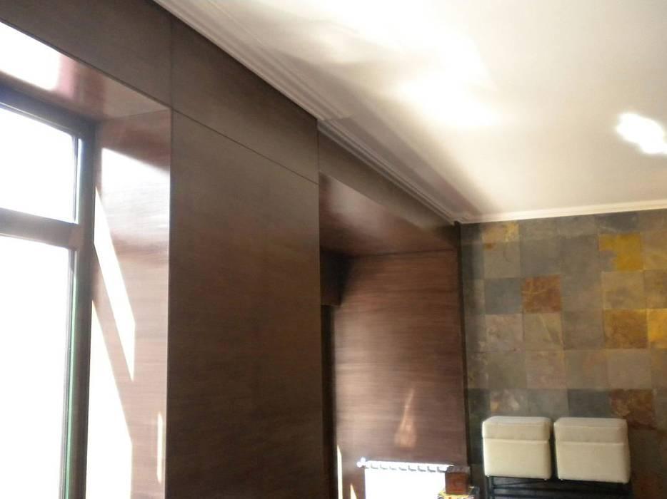 """Apartamento """"Avenida"""" Salas de estar modernas por ribau margaça _ arquitetura Moderno"""