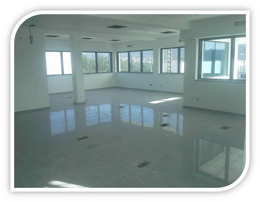 Revestimento de piso em Granito BELGRAN, LDA Salas de jantar modernas