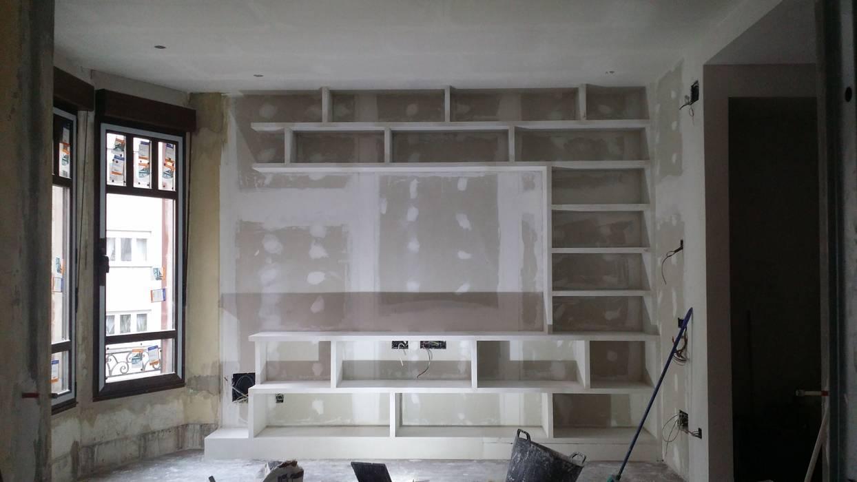 Mueble En Salon Con Estanterias De Escayola De Estilo De Escayolas - Mueble-escayola